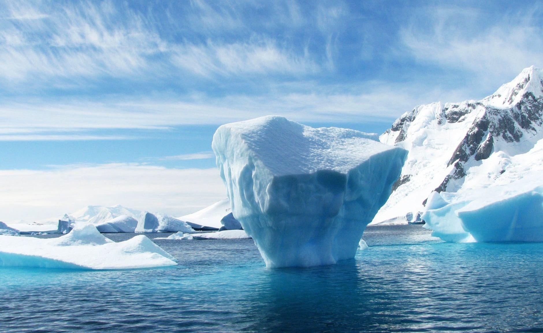 Iceberg antarctica polar blue 53389